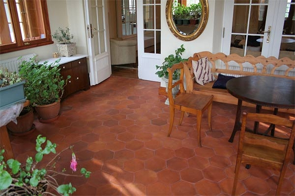 hexagonalle bodenfliesen terrakotta. Black Bedroom Furniture Sets. Home Design Ideas
